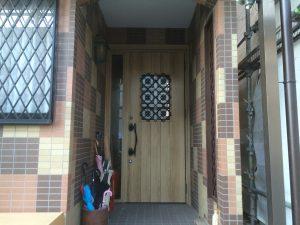 春日部で玄関ドアをリシェントに交換しました。